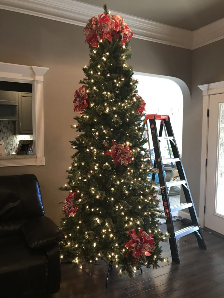 Decorate your Christmas Tree like a pro in 4 easy steps – Melissa ...
